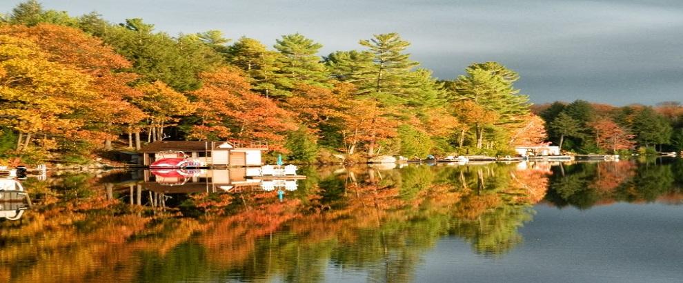 蜜月湖游轮赏枫